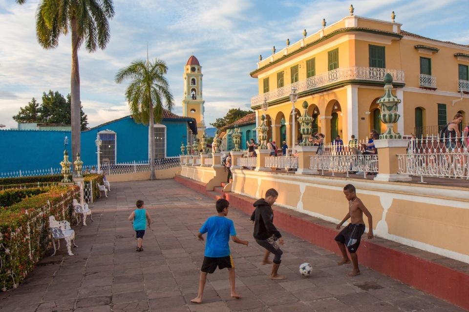 Cuba futbol street photo
